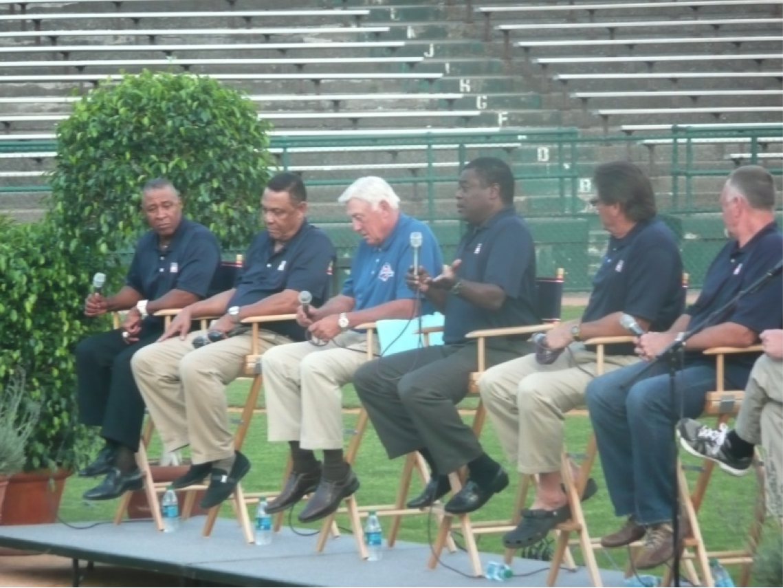 Ozzie Smith, Tony Perez, Phil Neikro, Eddie Murray, Carlton Fisk, and Burt Blyleven had fun poking fun at one another at a Double Day Field event.